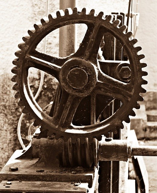 image of an old gear and pinion